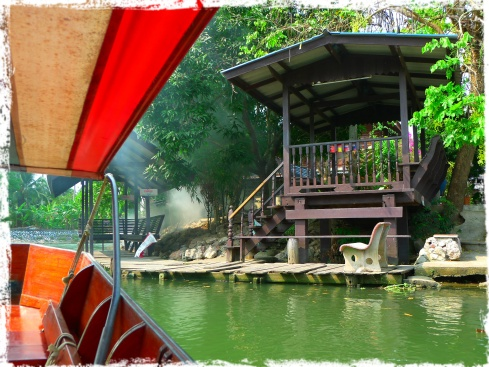 Our long tail boat docked here at this shed so I could walk towards the temple. this spot is very serene and relaxing.